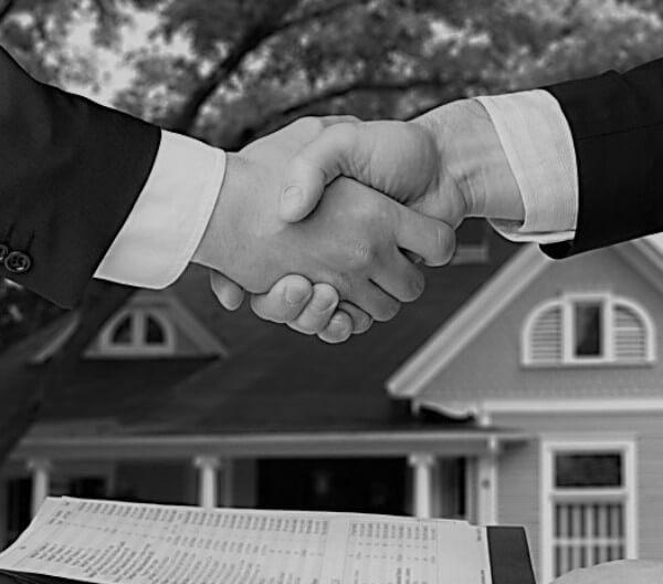 сделки с недвижимостью спб